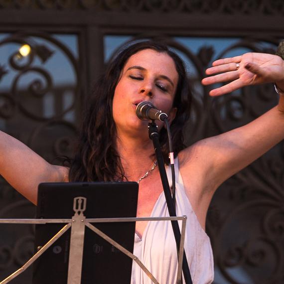 Cumie canta al Palau March - foto por Alex Amengual (square)