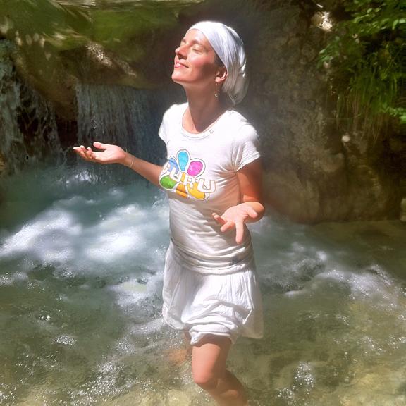 IMG_2028 cumie kundalini river sq (web)